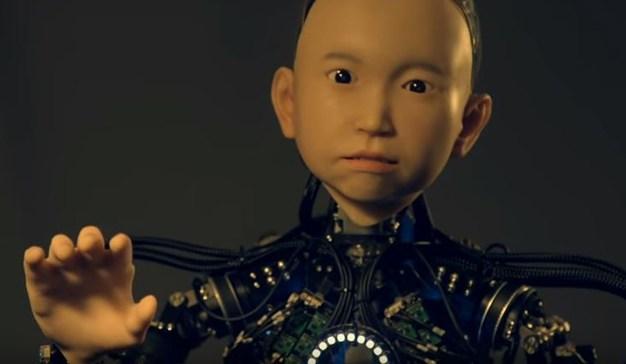 Ibuki un robot con el aspecto de un niño de 10 años
