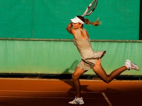 clases de tenis de alto rendimiento
