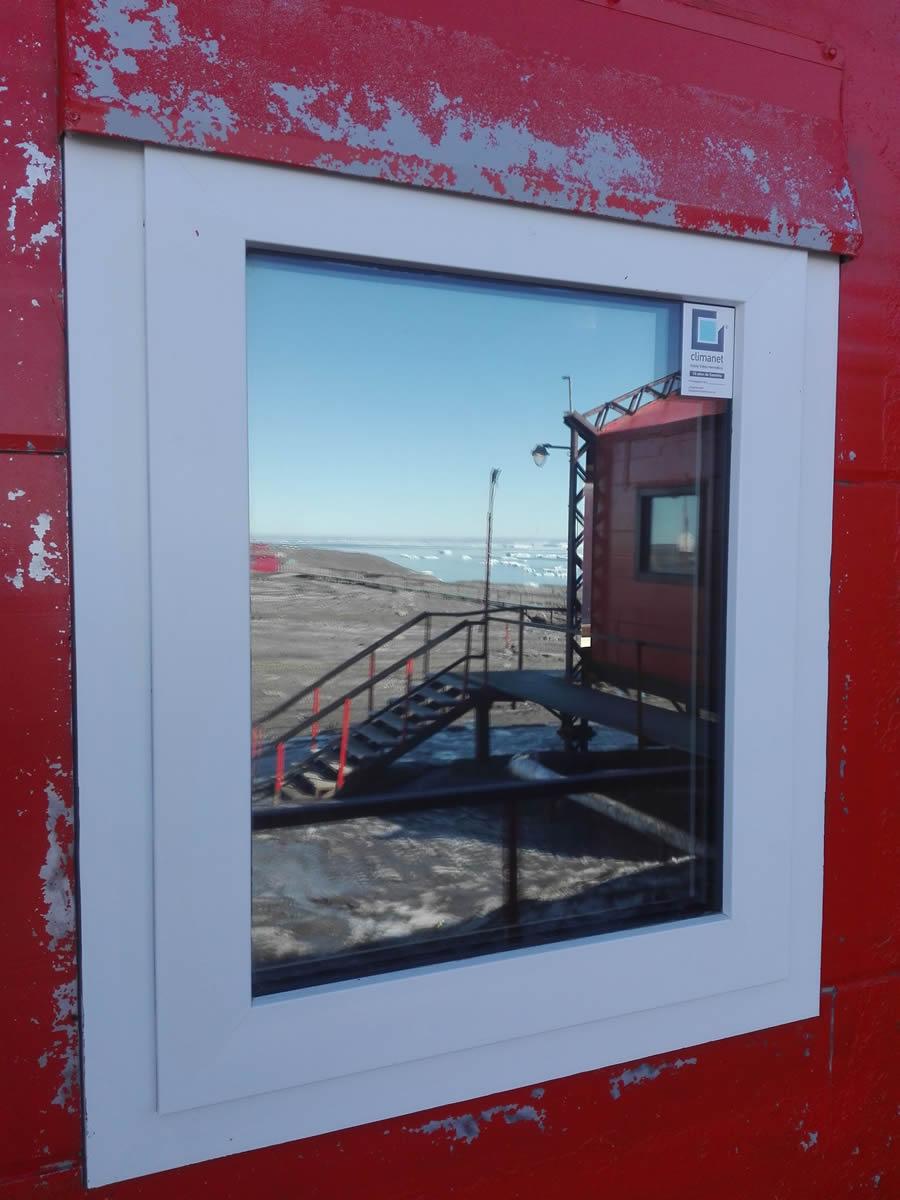 ventana vista exterior base marambio