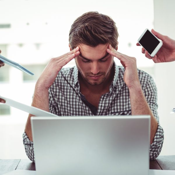 Estas son las 5 consecuencias de trabajar de más